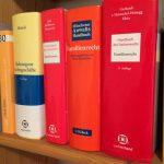 Familienrecht - Auswahl umfangreicher Fachbücher und Gesetze in unserer Kanzlei